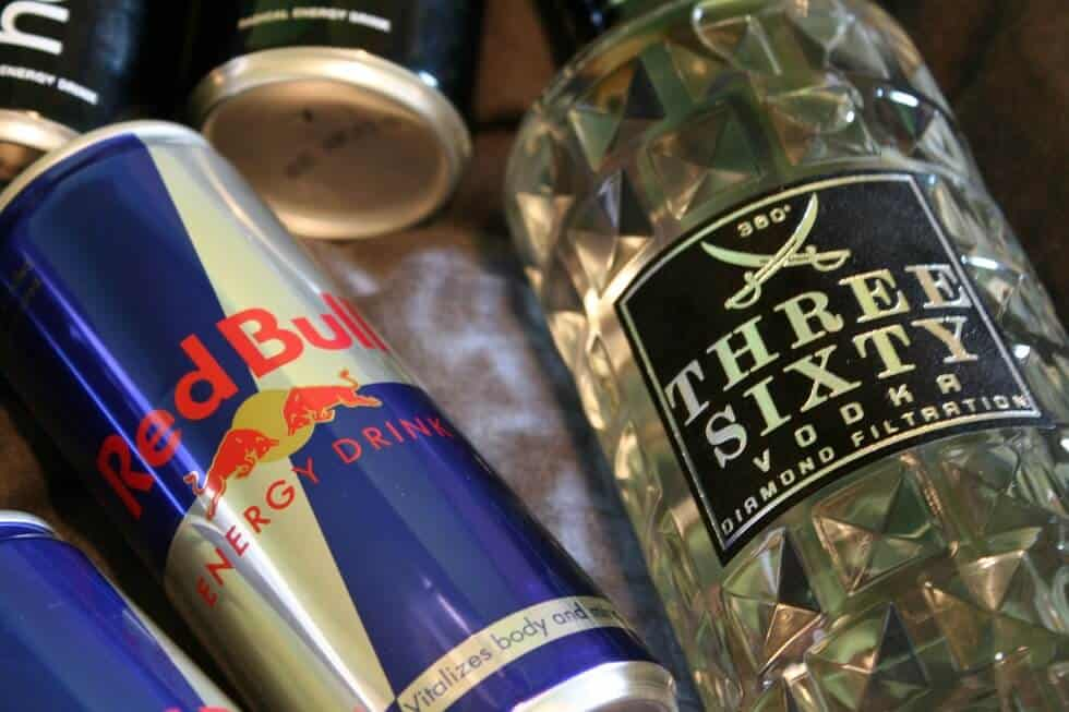 does red bull contain alcohol