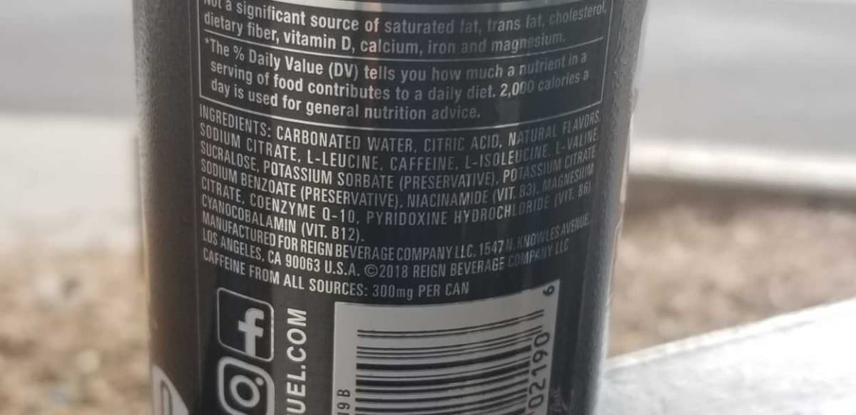 Label indicating how much caffeine is Reign