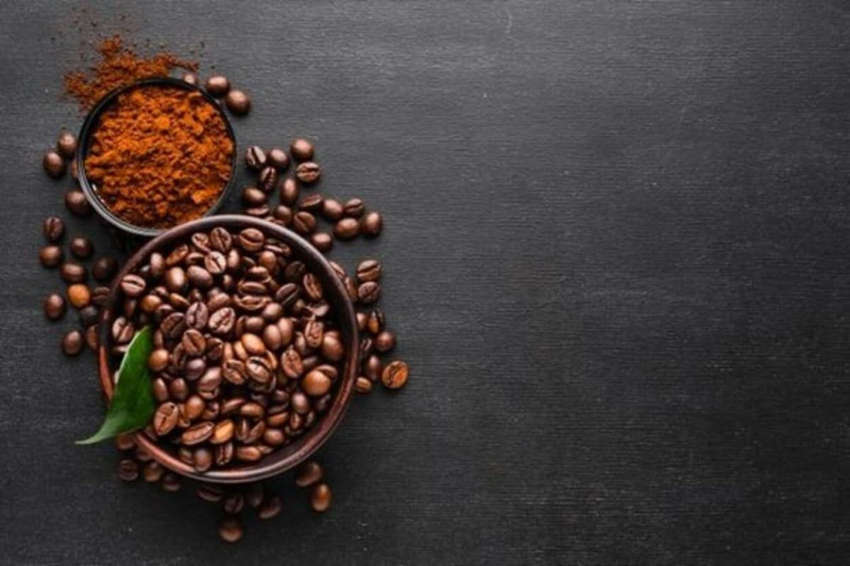 Coffee beans and grounded
